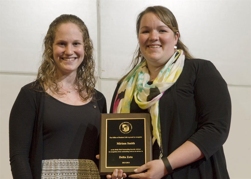 student receives award